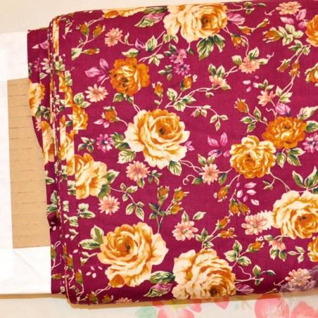 Tela patchwork rosas fondo burdeos algodon 100%