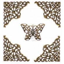 Esquinas de encaje de metal y mariposa