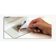 Retirar la copia aun caliente. Si quedan restos de papel, poner a remojo y lavar.