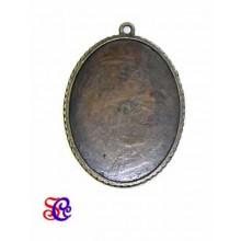 Camafeo ovalado color bronce 5,5 x 4 cm