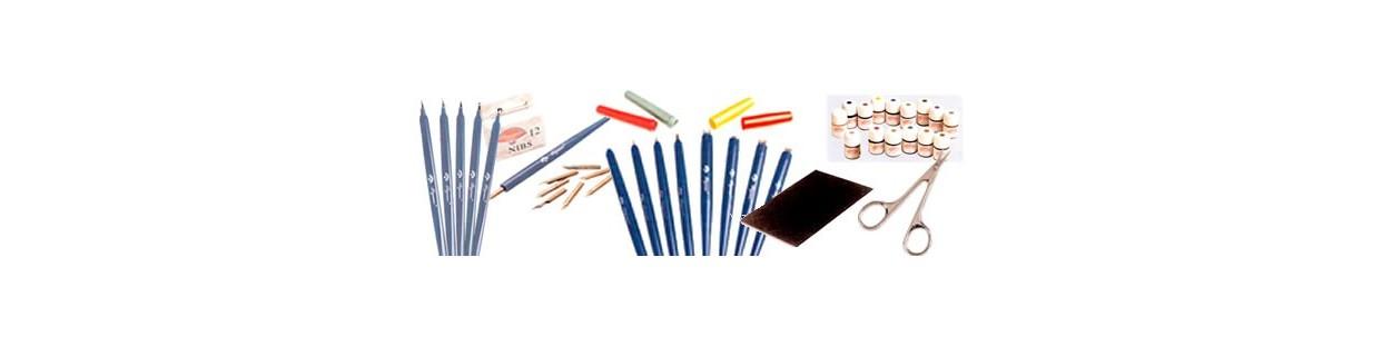 Papeles, accesorios y herramientas para pergamano.