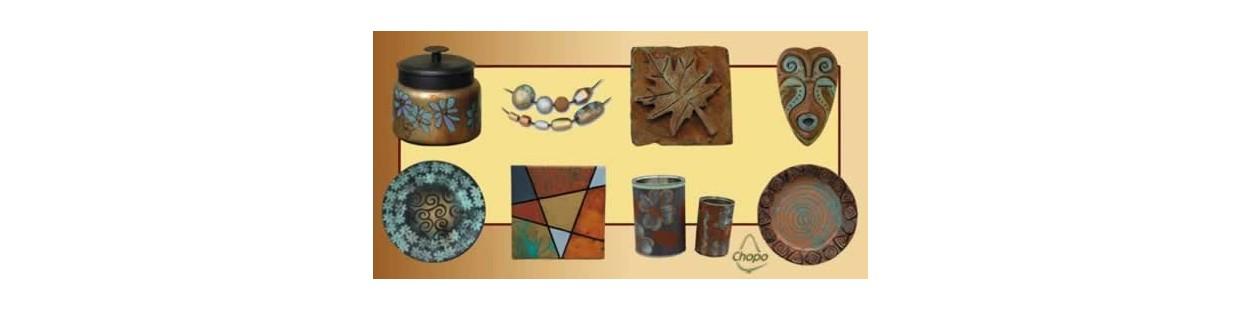 Las bases y pátinas Magic Metallics dan efectos oxidadntes a casi cualquier superficie debido a su adherencia