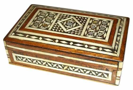 Caja artesana de marqueteria